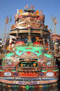 Pakistani_trucks_buses_0071