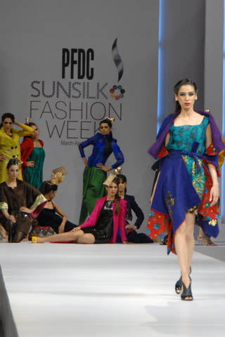 2011_pfdc_sunsilk_fashion_week_73